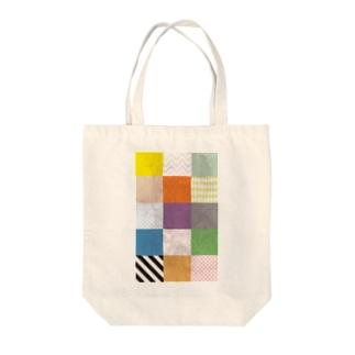 カラフルタイル Tote bags