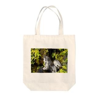渓流の狗 Tote bags