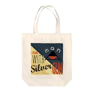 THE MAN WITH A SILVER GUN Tote bags
