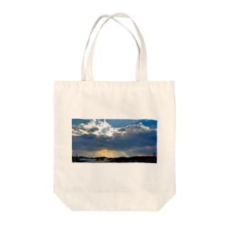 照らす光 Tote bags