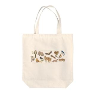 夏の山の動物たち Tote bags