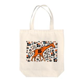 Giraffe(painted) Tote bags