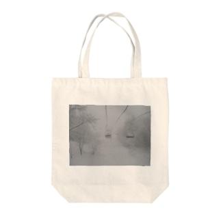 リフト Tote bags