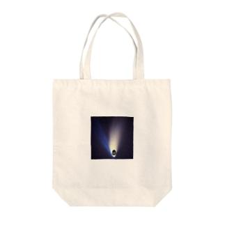 にゃんお黒 Tote bags