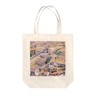 スペイン:セゴビア郊外の村の風景 Spain: view of a village near around Segovia Tote bags