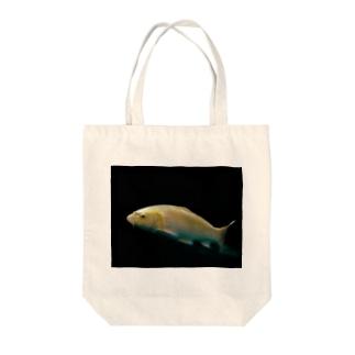 金色の錦鯉 Tote bags