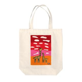 キリンと夕空(codycoby) Tote bags
