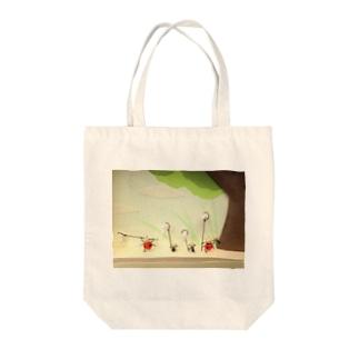 虫採り(テントウムシとアリ) Tote bags