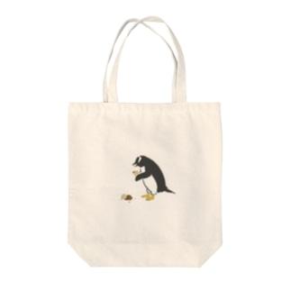アイス落としちゃったジェンツーペンギンさん Tote bags