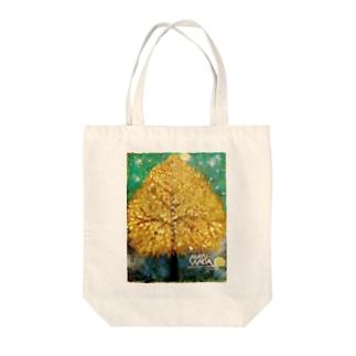 イチョウの木 Tote bags