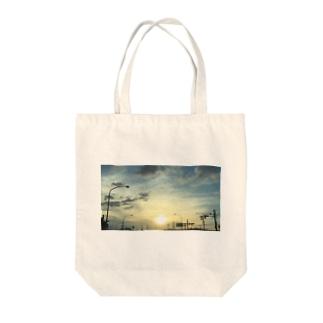ソラクモ Tote bags