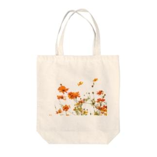 初夏のコスモス Tote bags