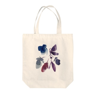 purple flowers Tote bags