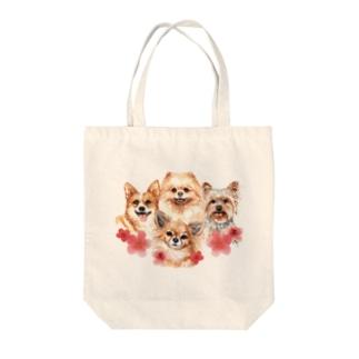 お花の似合う小さい犬たち。 Tote bags