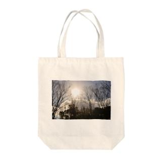 木漏れ日 Tote bags