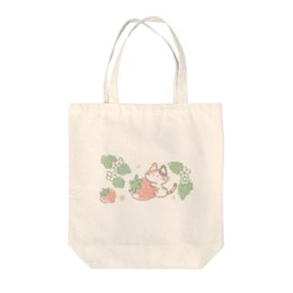 いちご猫さん Tote bags