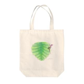 小さなトカゲ Tote bags