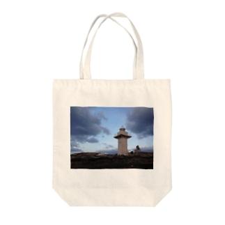 夜を背にした岬 Tote bags