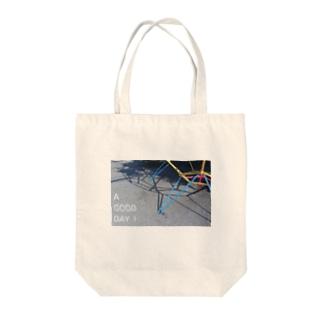 遊具と影 Tote bags