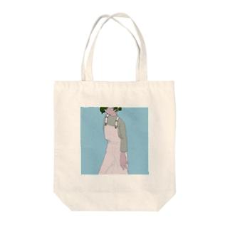 サロペットの女の子 Tote bags