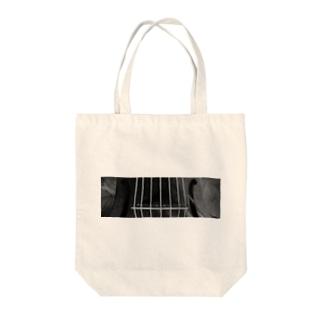 la viole monochrome Tote bags