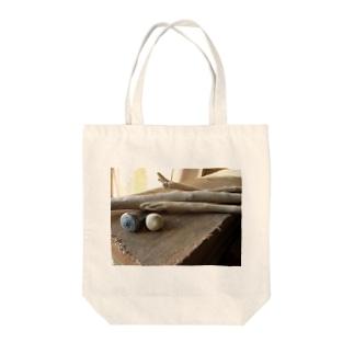 自然木と貝殻 Tote bags