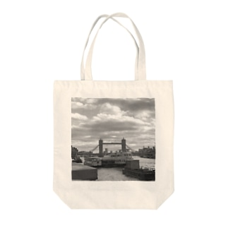 テムズリバー Tote bags