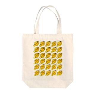 カレイの行列 Tote bags