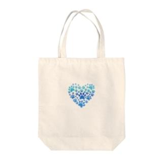 かわいい犬の心 Tote bags