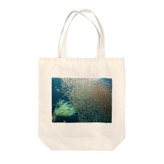 スイミー Tote bags