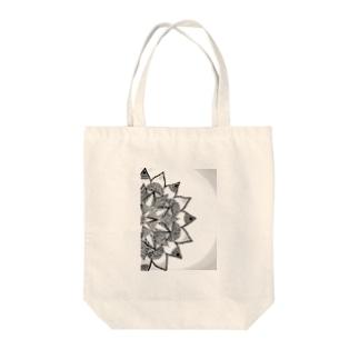 マンゼラ Tote bags