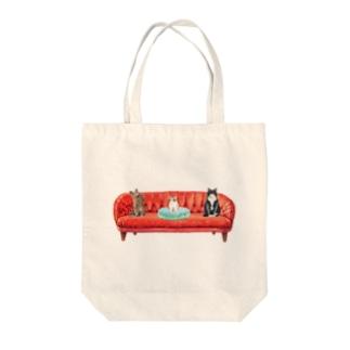 新入りと古参の緊張感溢れるソーシャルディスタンス(社会的距離)。 Tote bags