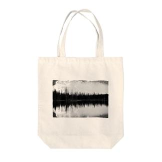 SYMMETRY Tote bags