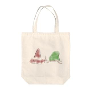 コーンとカメ Tote bags