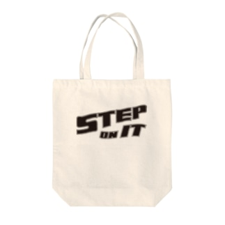 STEP ON IT Tote bags
