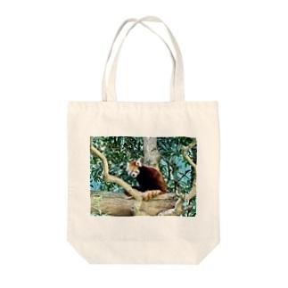 レッサーパンダ Tote bags