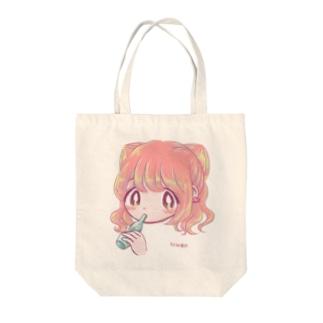 女の子とアイス Tote bags