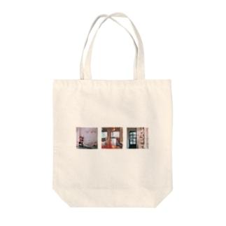 ソウルのカフェ Tote bags