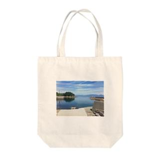 海沿いにゃんこ Tote bags