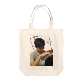 りゅうちぇるくんの眼光 Tote bags