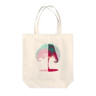 チラ見せの木 Tote Bag