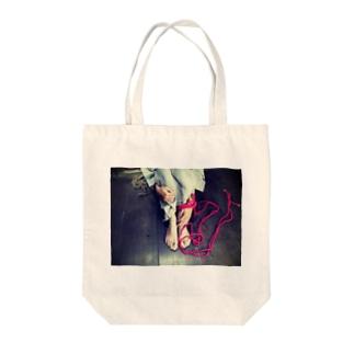赤い秘め事 Tote bags