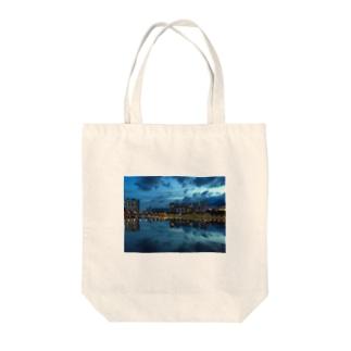 城門河 Tote bags