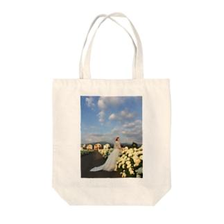 アナベルと花嫁 Tote bags
