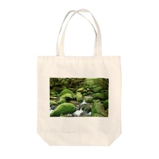 苔むす渓流 Tote bags