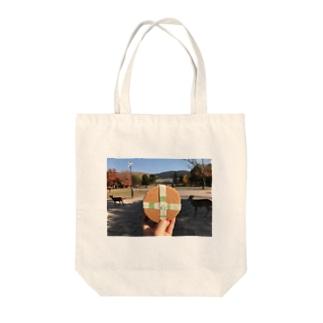 鹿(せんべい) Tote bags