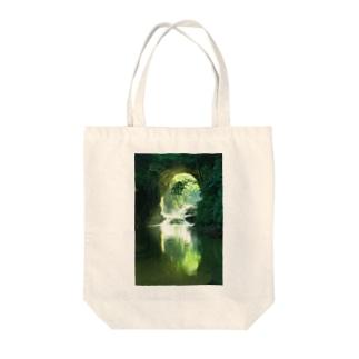 光芒さす Tote bags