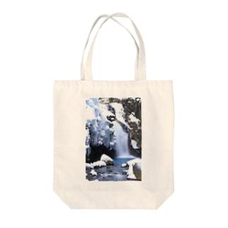 冬の秘瀑 Tote bags