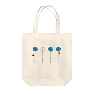 青いバラ Tote bags