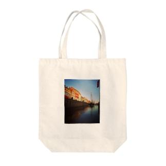 コペンハーゲンの運河 Tote bags